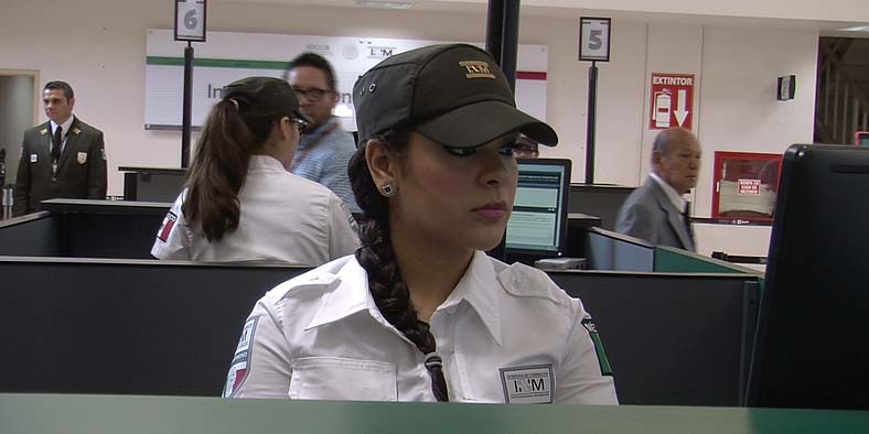 Mexican customs agent